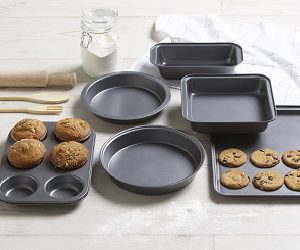 Cake Trays, Tins and Muffin Trays
